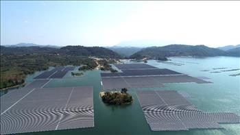 Nhà máy Điện mặt trời nổi hồ Đa Mi hòa lưới thành công