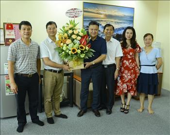 Công đoàn Điện lực Việt Nam: Chúc mừng các Cơ quan Báo chí nhân kỷ niệm 94 năm Ngày Báo chí Cách mạng Việt Nam.
