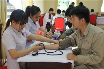 Nâng cao công tác chăm sóc sức khỏe người lao động