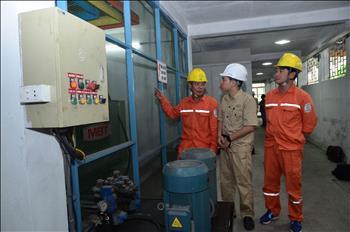 Quản lý nhu cầu và điều chỉnh phụ tải điện
