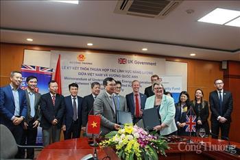 Việt Nam – Vương quốc Anh hợp tác phát triển năng lượng bền vững