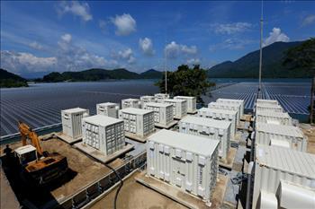 Phát triển điện mặt trời trên hồ thủy lợi