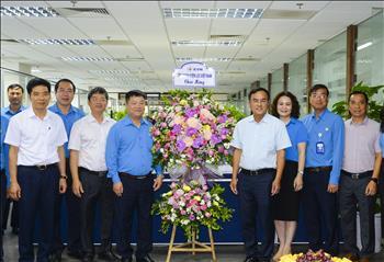 Chủ tịch HĐTV EVN Dương Quang Thành chúc mừng Công đoàn Điện lực Việt Nam nhân kỷ niềm 91 năm Ngày thành lập Công đoàn Việt Nam.