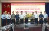 Ban Thường vụ Đảng uỷ EVN tặng hoa chúc mừng tân Chủ tịch Công đoàn Điện lực Việt Nam